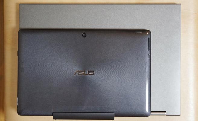今まで使っていたASUSの10.1インチのノートパソコンと比較