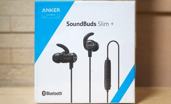 翌日にはAmazonから「Anker SoundBuds Slim+」が届きました。Ankerらしい化粧箱ですね。