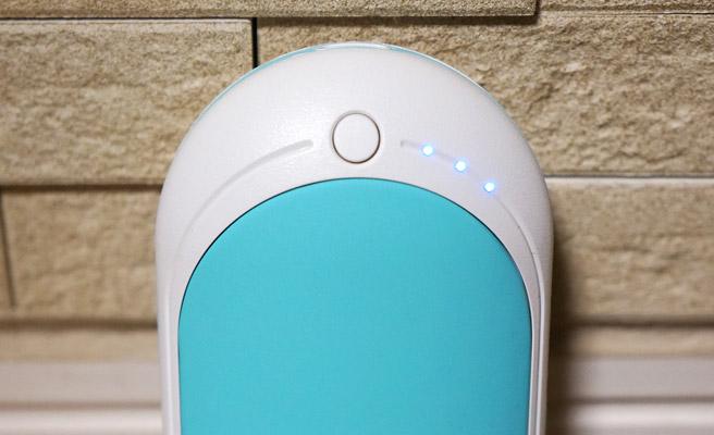 電源ボタンを2回連続でポンポンっと押すことで、バッテリーの残量を見ることができます。