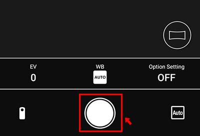 画面上部でカメラ(静止画)撮影か動画撮影を切り替えて、画面真ん中の下にある「シャッターボタン」をタップすることで、遠隔で撮影することができます。
